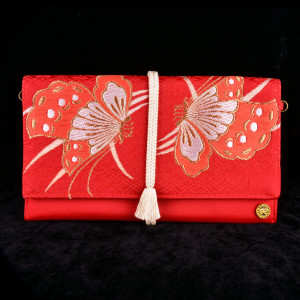 Clutch-005RedF hoge resolutie